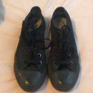 Shoes - RARE vintage converse shoe